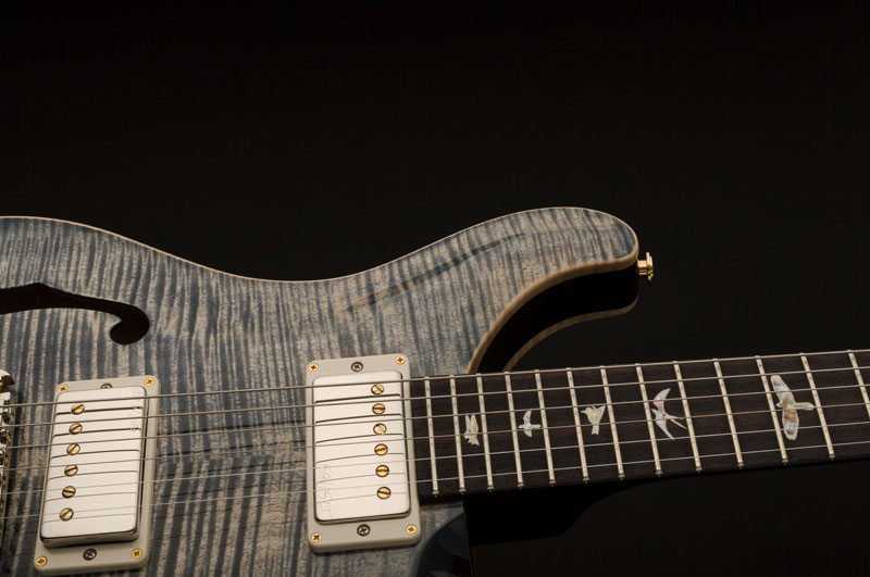 גיטרה חשמלית נפח PRS USA Hollowbody II Piezo צבע Faded Whale Blue