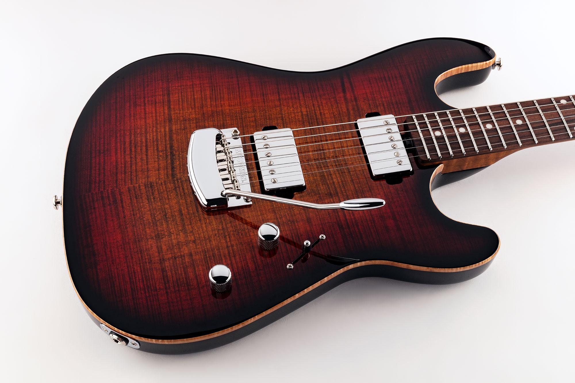 גיטרה חשמלית Music Man Sabre צבע Bougie Burst