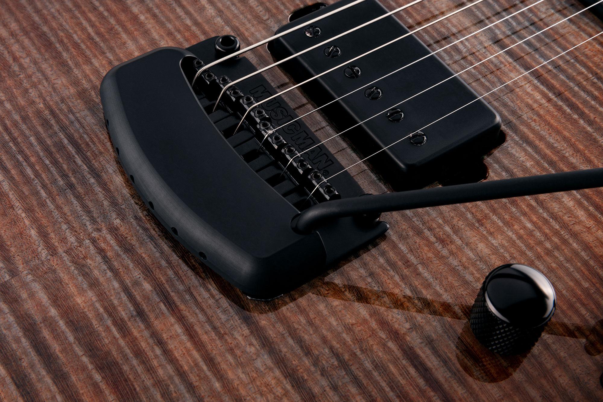 גיטרה חשמלית Music Man Sabre צבע Cobra Burst