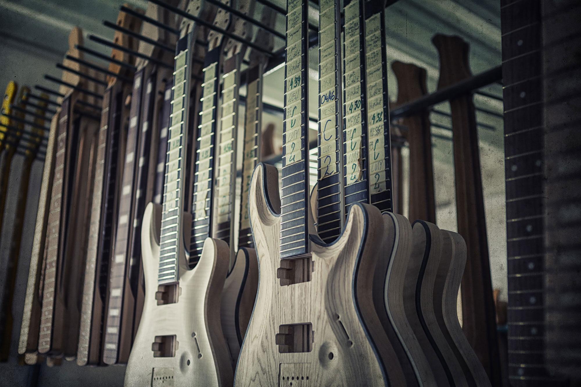 מפעל גיטרות Mayones