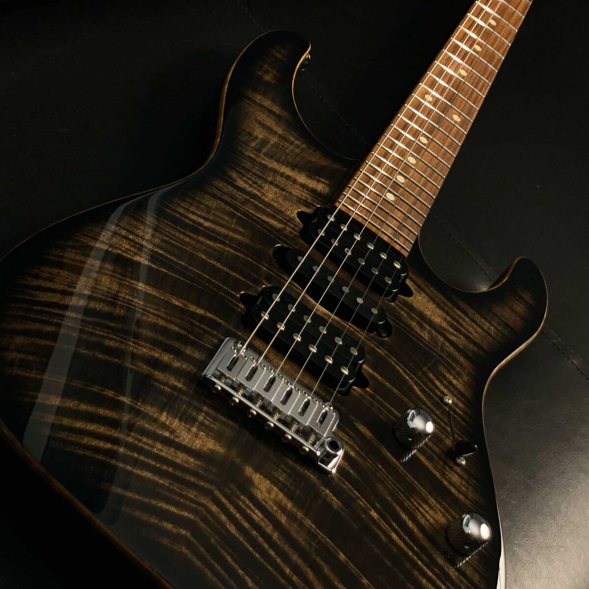 גיטרה חשמלית Suhr Modern Plus, Trans Charcoal Burst