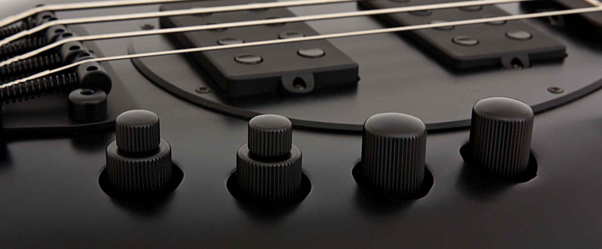 גיטרה בס Music Man Bongo 4 HH בצבע Stealth Black