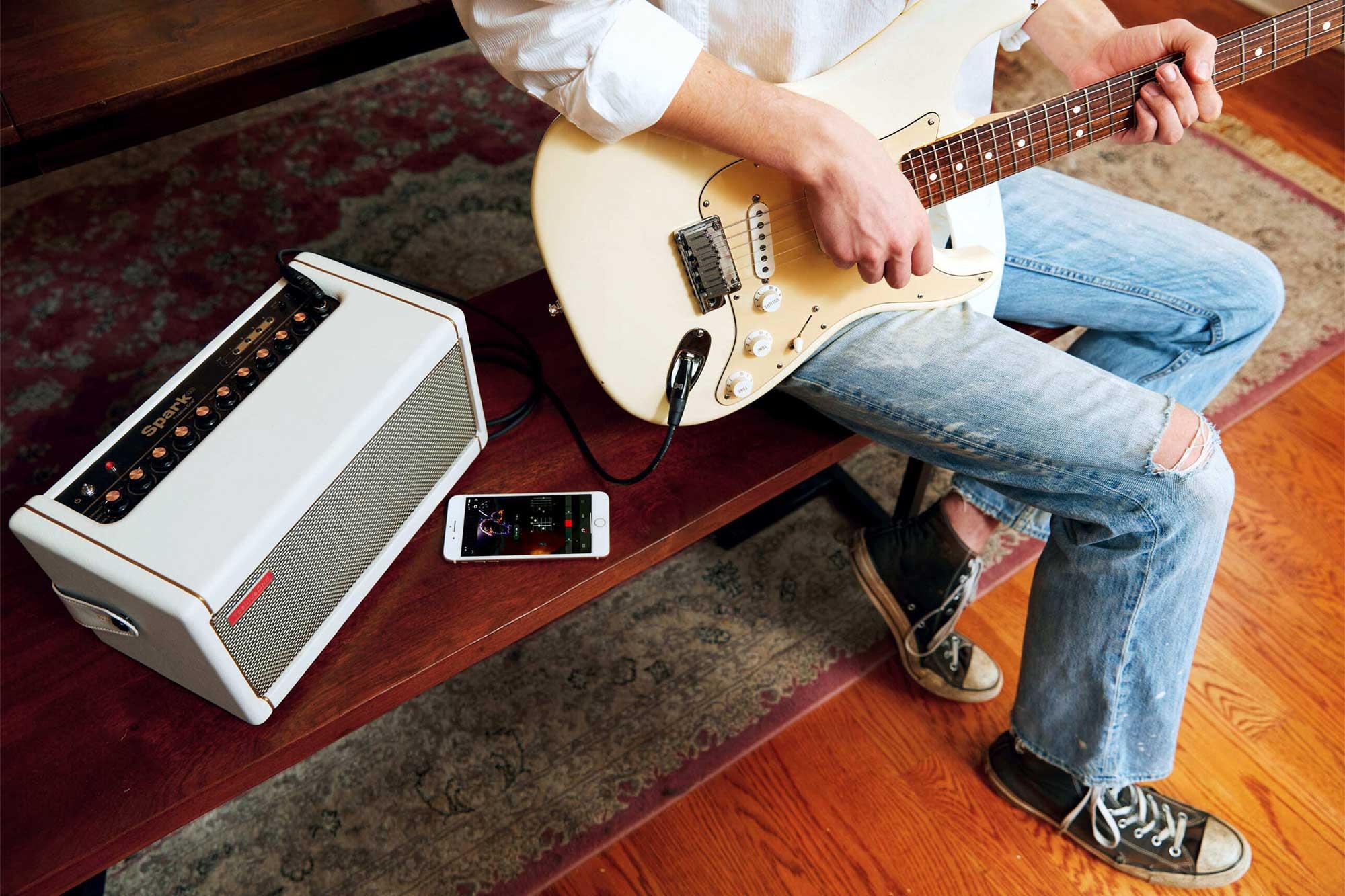 מגבר חכם לגיטרה ובס Positive Grid Spark Pearl
