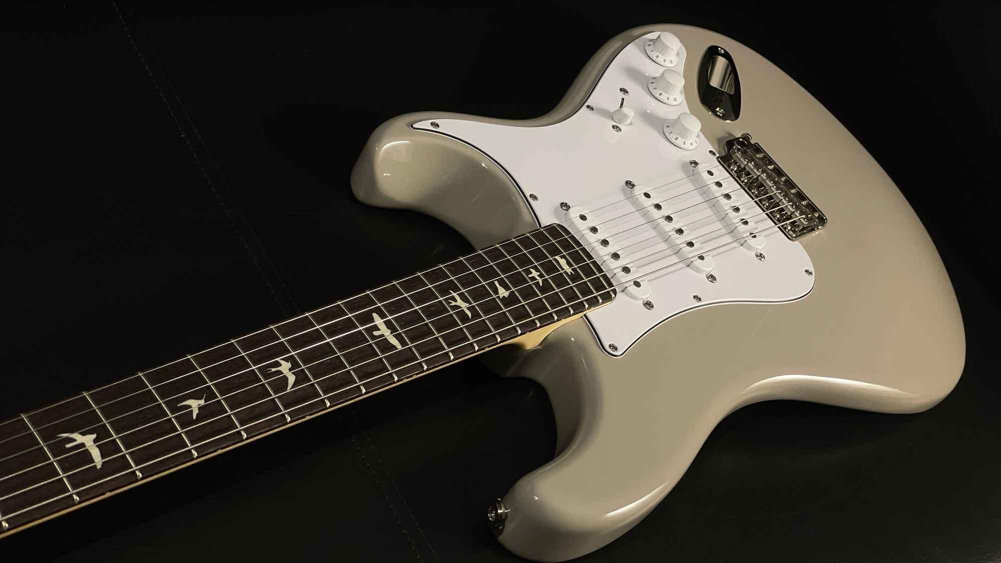 גיטרה חשמלית PRS USA Silver Sky, Moc Sand, Rosewood