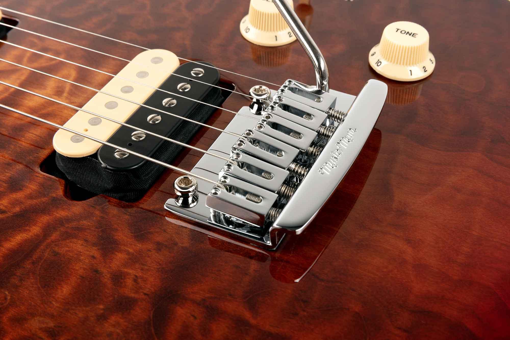 גיטרה חשמלית Music Man Axis Super Sport, Amber Quilt
