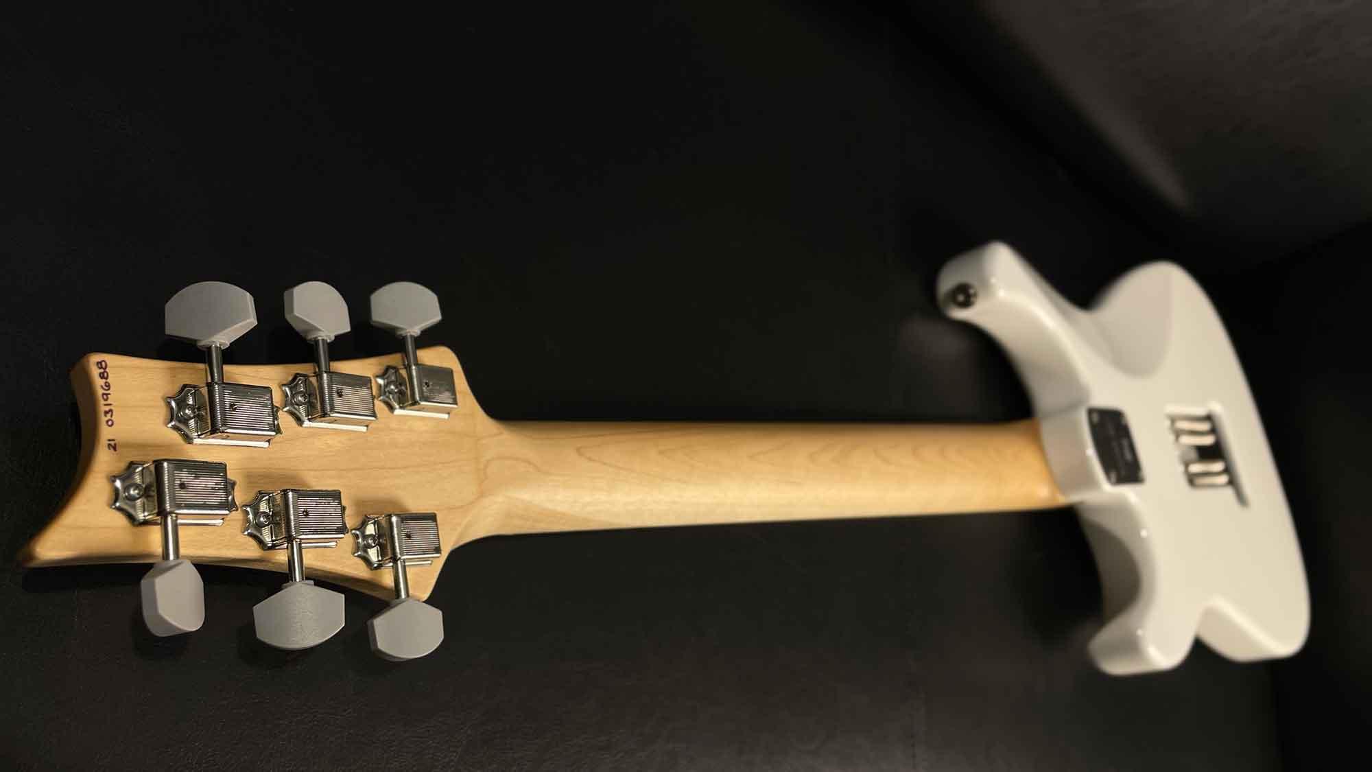 גיטרה חשמלית PRS USA Silver Sky, Frost, Maple