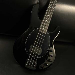 גיטרה בס Music Man DarkRay, Obsidian Black (זמינה במלאי)